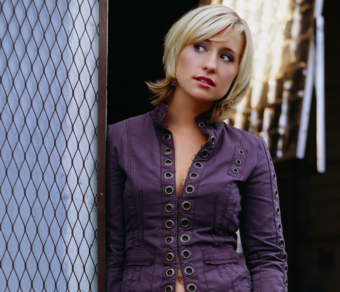Allison Mack in Smallville.