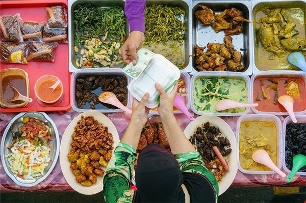 If you have a low budget, then you have to eat the local food. Whether you visit London or New York, you should control your dining budget. There is no need to go for A – class cuisines in 5 start hotels. Try street restaurants. You will also get real traditional food from those restaurants as well at very affordable rates.