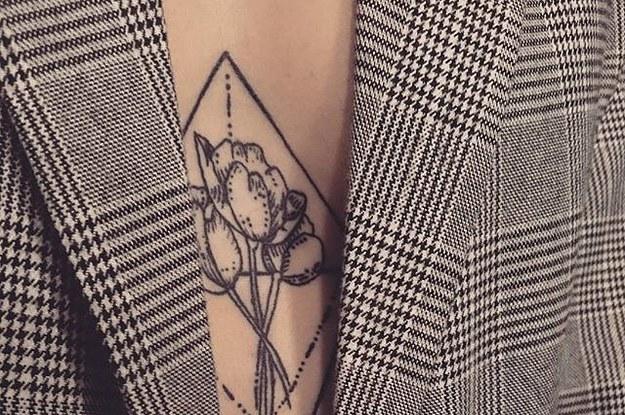 0366217d6 39 das tatuagens mais inspiradoras para fazer entre os seios