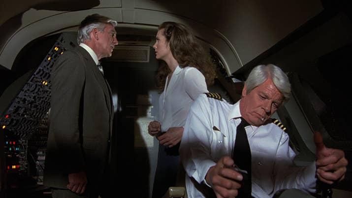 """""""Los pilotos no pueden comer el mismo plato durante el vuelo para evitar que los dos queden incapacitados por intoxicación alimentaria"""". Si hay más de dos pilotos sí pueden repetir plato, aunque lo normal es que traten de evitarlo."""