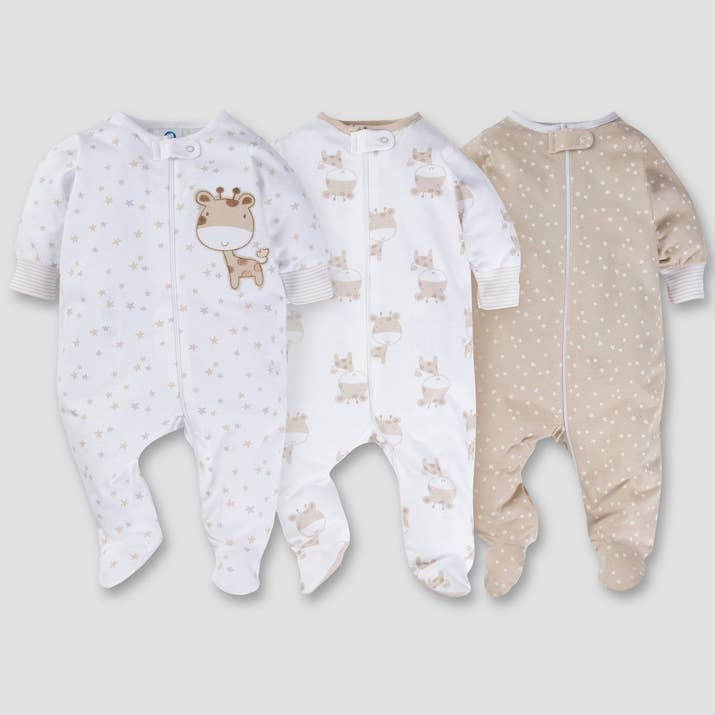 21 adorable gender neutral baby gifts and a set of giraffe patterned pjs because sometimes its just fun to coordinate your gifts negle Image collections