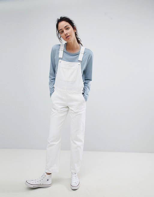 83cd6086c32 18 Pairs Of Overalls That Prove Overalls Look Great On Everyone