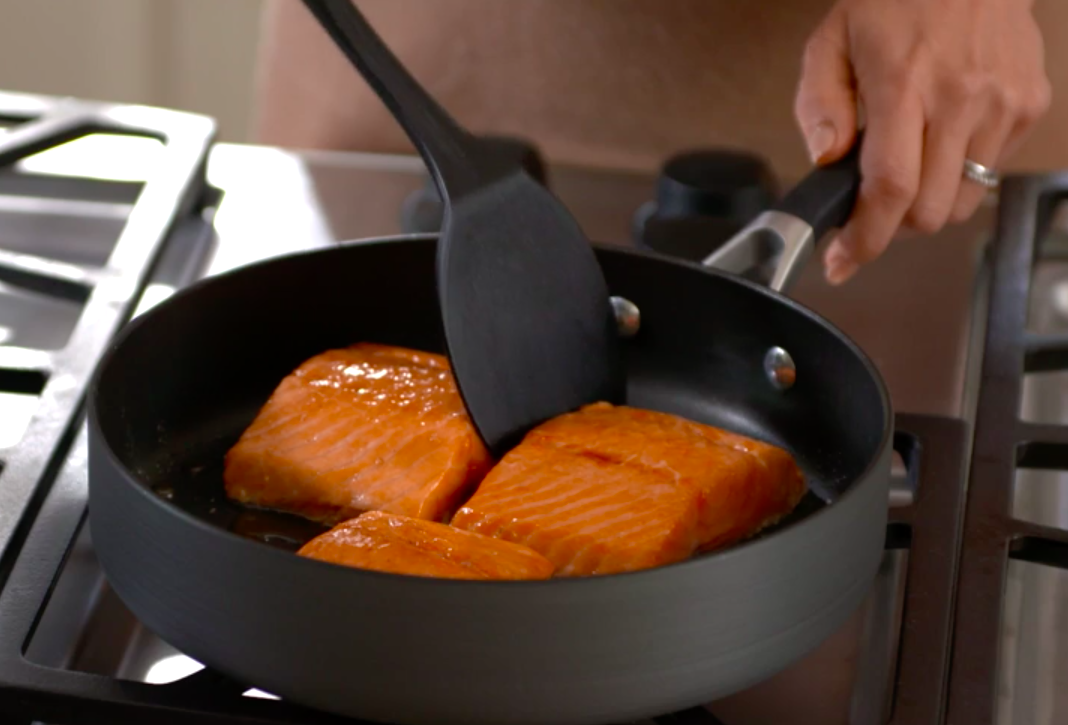 17 Of The Best Non Stick Frying Pans You Can Get At Walmart