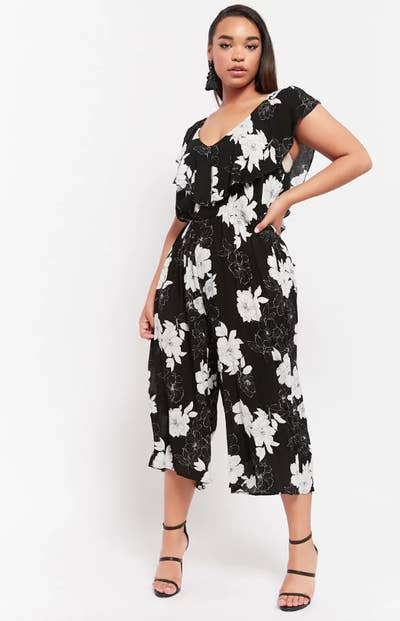 ee342b0a9577 32 Gorgeous Jumpsuits That Are About To Turn You Into A Jumpsuit Person
