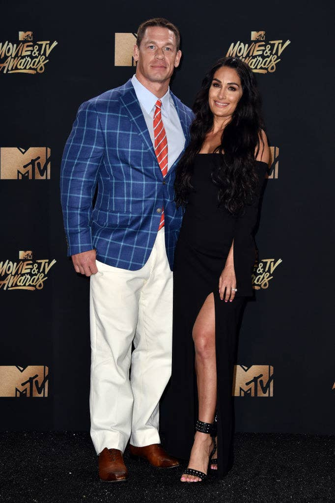 Cena dating bella — img 11