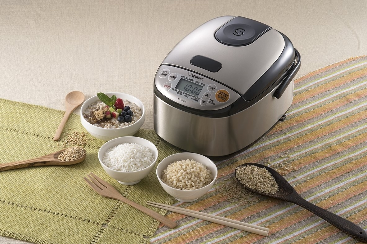 Rice maker with bowls of rice