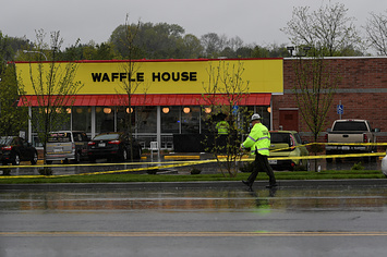 Police Are Still Searching For A Gunman Who Shot And Killed Four People In A Tennessee Waffle House