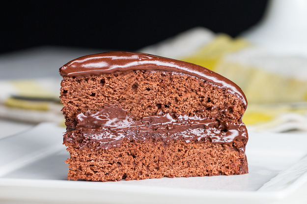 Você pode não acreditar, mas este bolo de chocolate é totalmente sem lactose