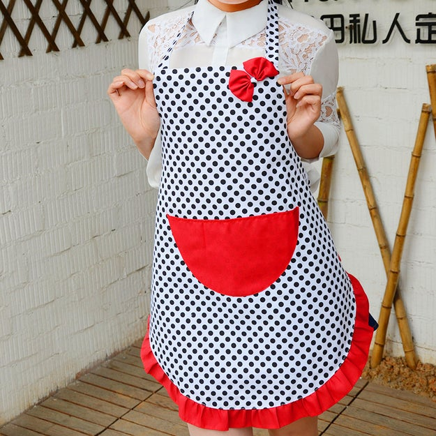 A polka-dot apron Minnie Mouse would probably have some nice things to say about.