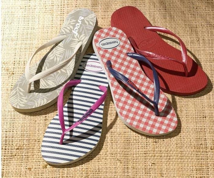 64f343f38e3b A pair of classic Havaianas slim flip-flops