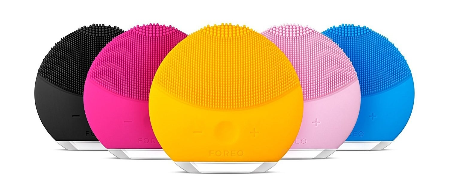 The device in five colors