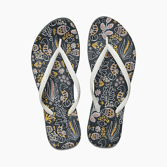 6d6c566a98a3 13 Comfy And Cute Pairs Of Flip-Flops Our Readers Actually Swear By