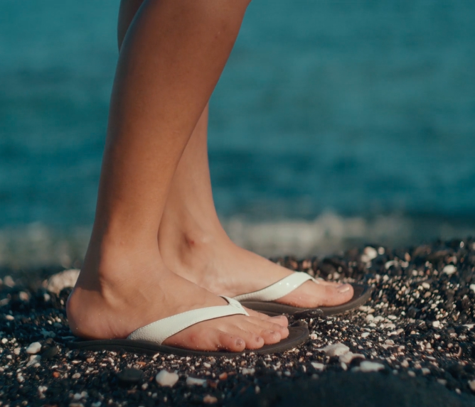 bfdd05d4d9a25 13 Comfy And Cute Pairs Of Flip-Flops Our Readers Actually Swear By