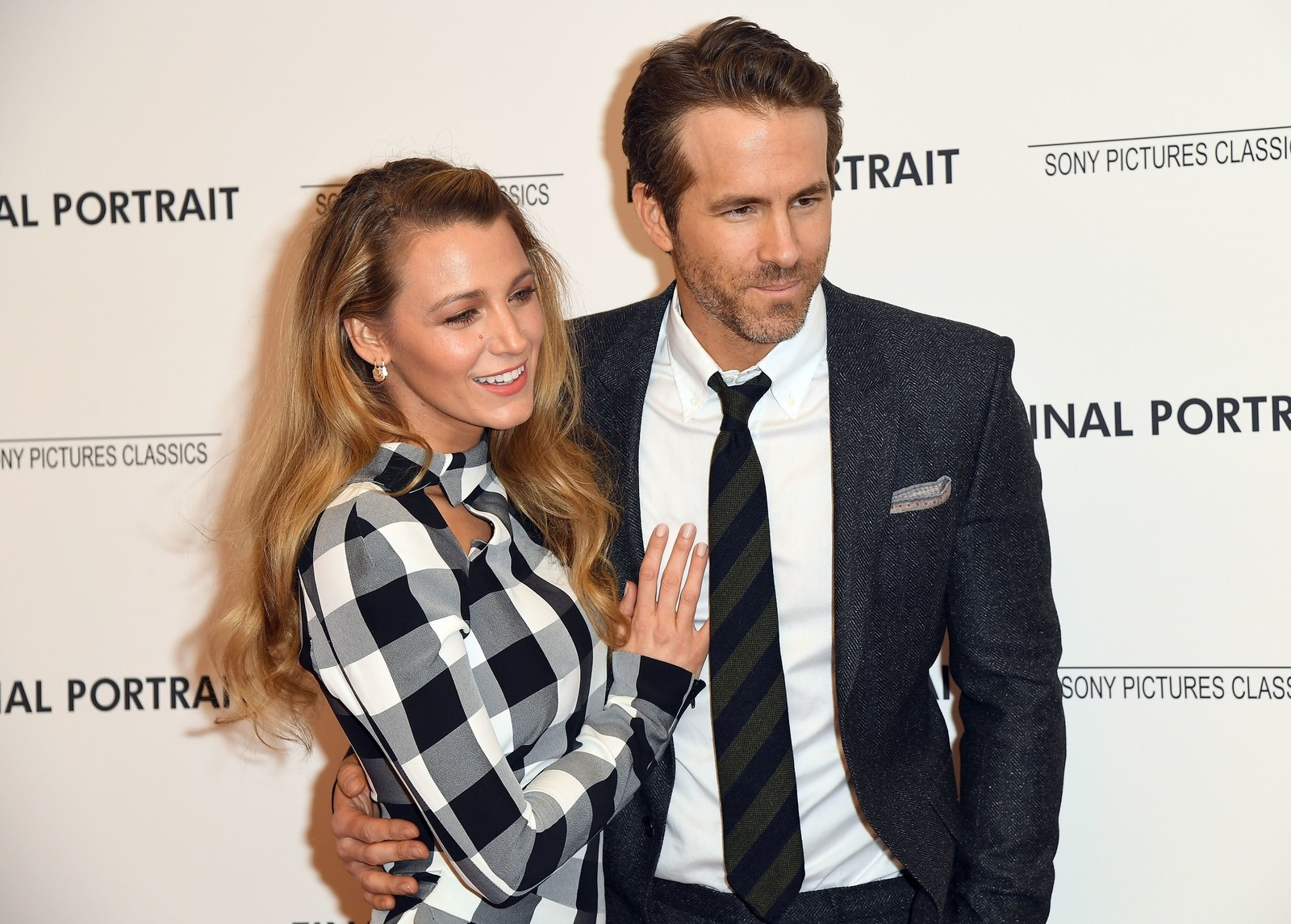 Blake Lively Just Roasted The Hell Out Of Ryan Reynolds On ...