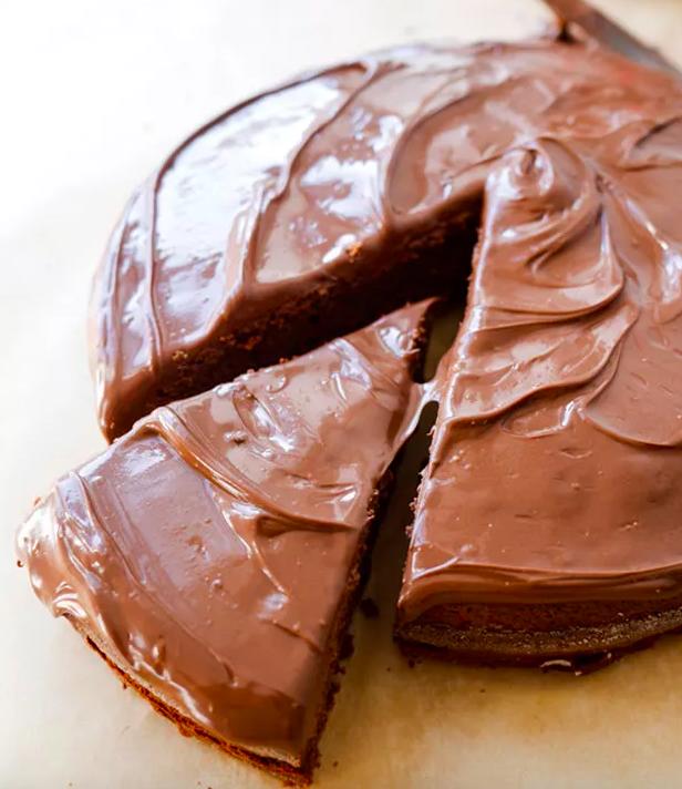 Una tarta hecha con Nutella y glaseada con Nutella. ¿Qué más podrías pedir? Mira la receta aquí.