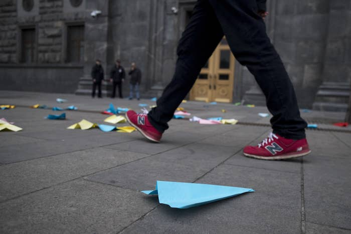 Paper airplanes have become a sign of protest in Russia after the banning of Telegram.