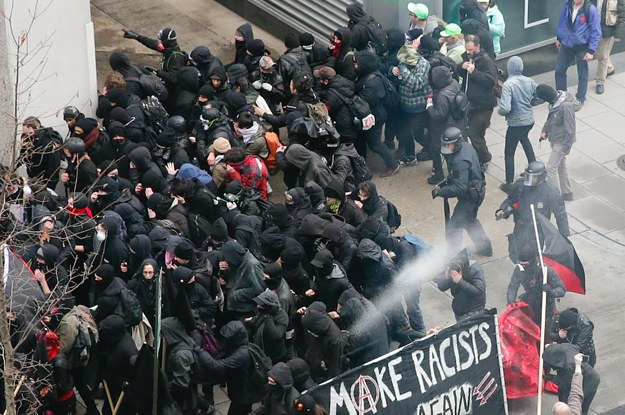 photo image A Jury Acquitted The First Group To Stand Trial On Inauguration Rioting Charges. Prosecutors Are Trying Again.