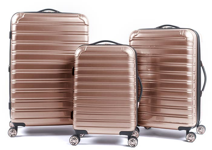 d1cdb5bc9d0d 35 Useful Products That ll Solve All Your Travel Problems