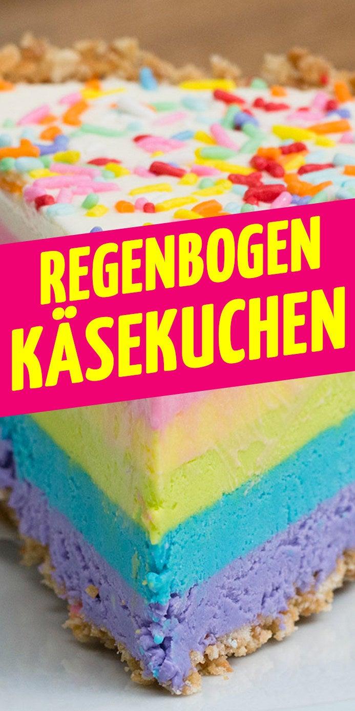 ZUTATENBoden150g Kekse6 EL geschmolzene Butter80g Regenbogen-Streusel Käsekuchen225g Konditorsahne2 EL Zucker450g Frischkäse395g gezuckerte Kondensmilch1 EL VanilleLebensmittelfarben: Lila, Blau, Grün, Gelb und Pink Regenbogen-Streusel