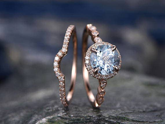 32 Stunning Engagement Rings You Can Get On Etsy