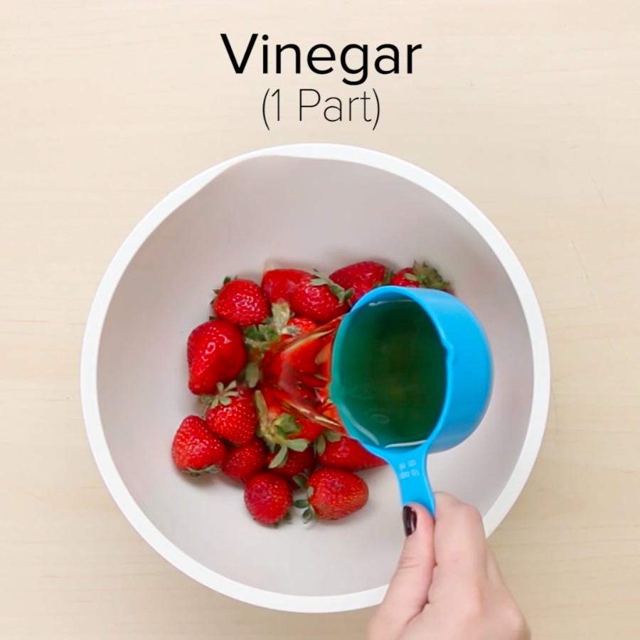 9 Easy Hacks That'll Keep Your Produce Fresh Longer