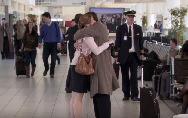 Jenna Fischer Just Revealed What She Said During The Airport Scene In