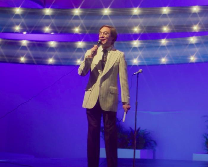 Por si no te tocó, era un show de variedades conducido por Raúl Velasco y fue clave en lanzar la carrera de múltiples actos musicales.