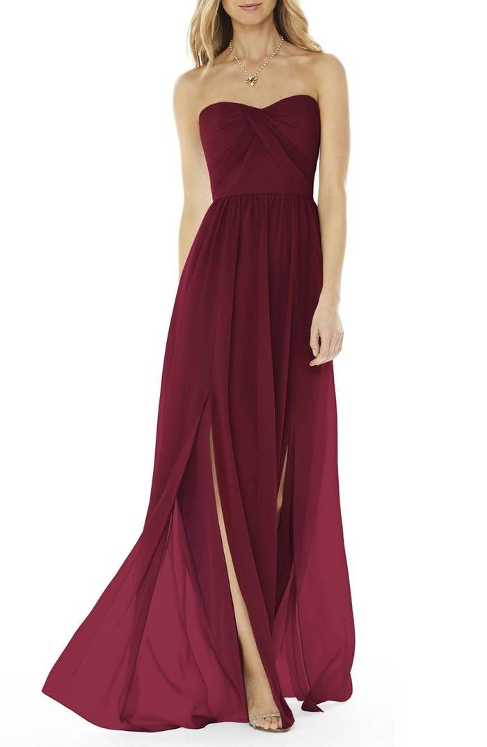 bf45e9514dd A breathtaking strapless gown sure to make you say