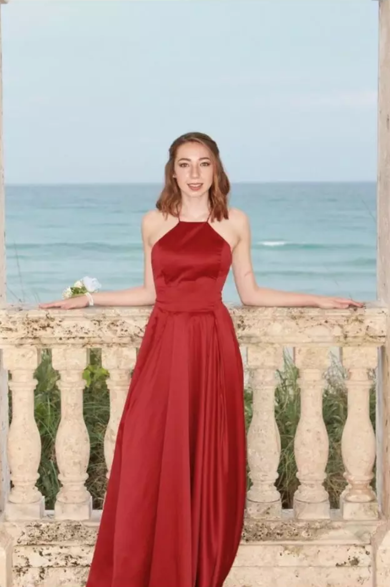 4f09ce03ed A silky red gown that s the IRL embodiment of the 💃 emoji
