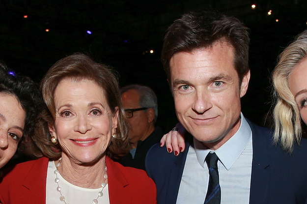 "People Are Mad That Jason Bateman Tried To Normalize Jessica Walter's ""Arrested Development""..."