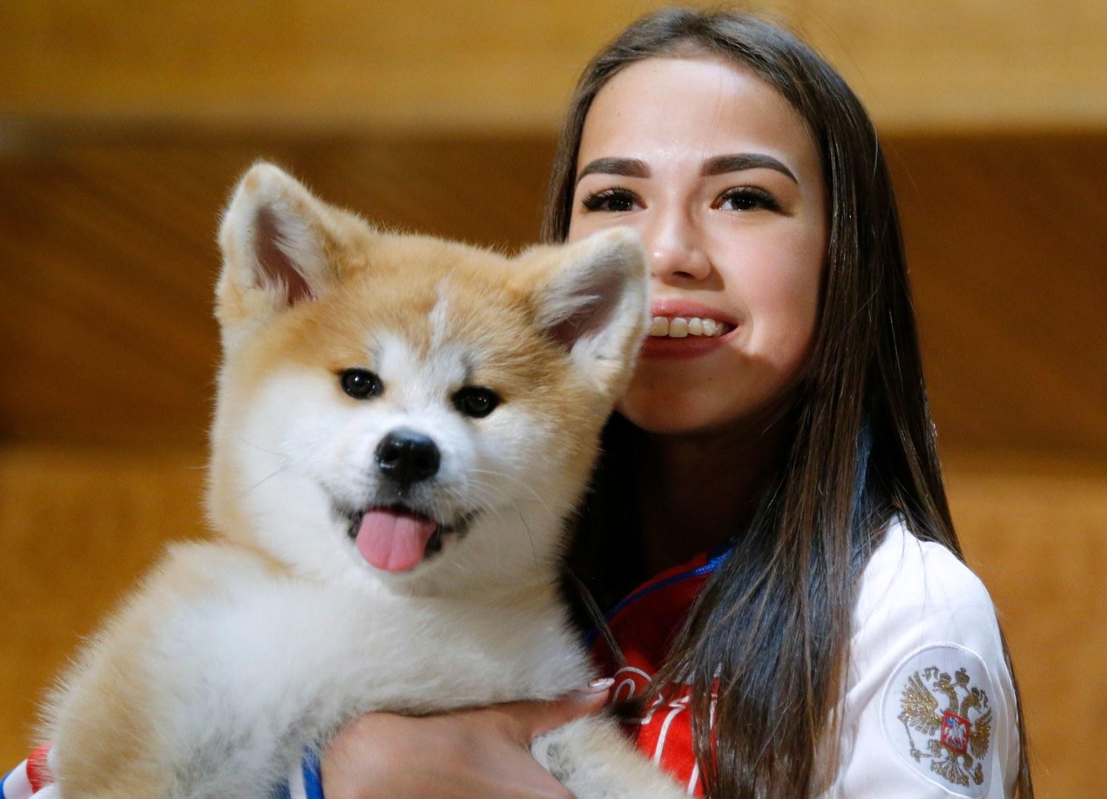 ザキトワ選手に贈呈された秋田犬「マサル」がかわいすぎると