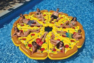25ec39d29e3fc6 27 Of The Best Pool Toys You Can Get On Amazon