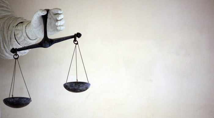 Wir installieren einen Schwerpunktreporter für Grund- und Freiheitsrechte. Wie man ihn erreichen kann, steht am Ende dieses Artikels.