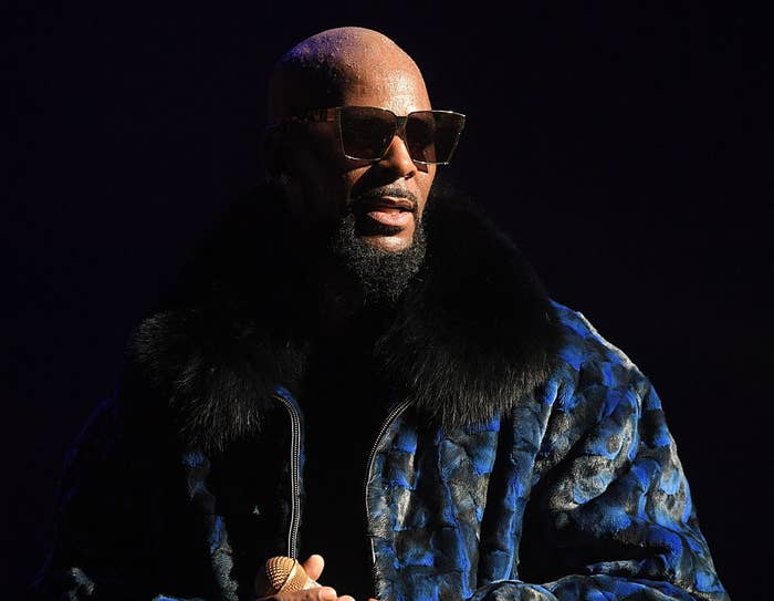 Alleged Abuse Victim's Father Says R  Kelly's Manager Made A Death