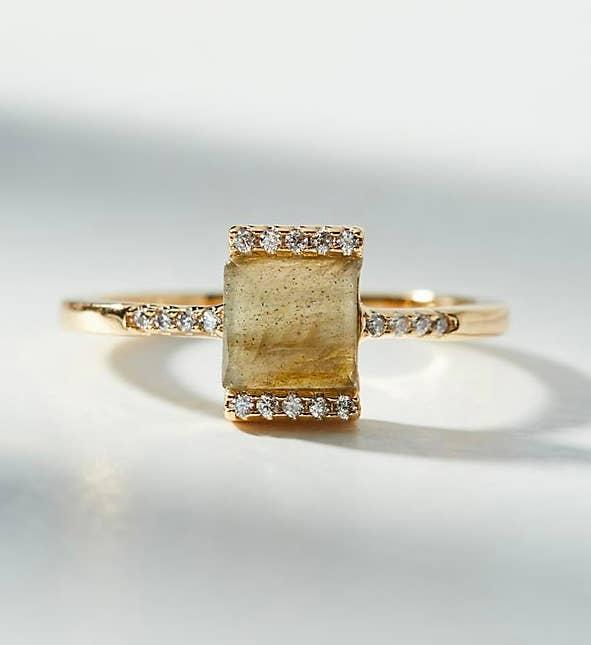 32 Stunning Engagement Rings Under 500