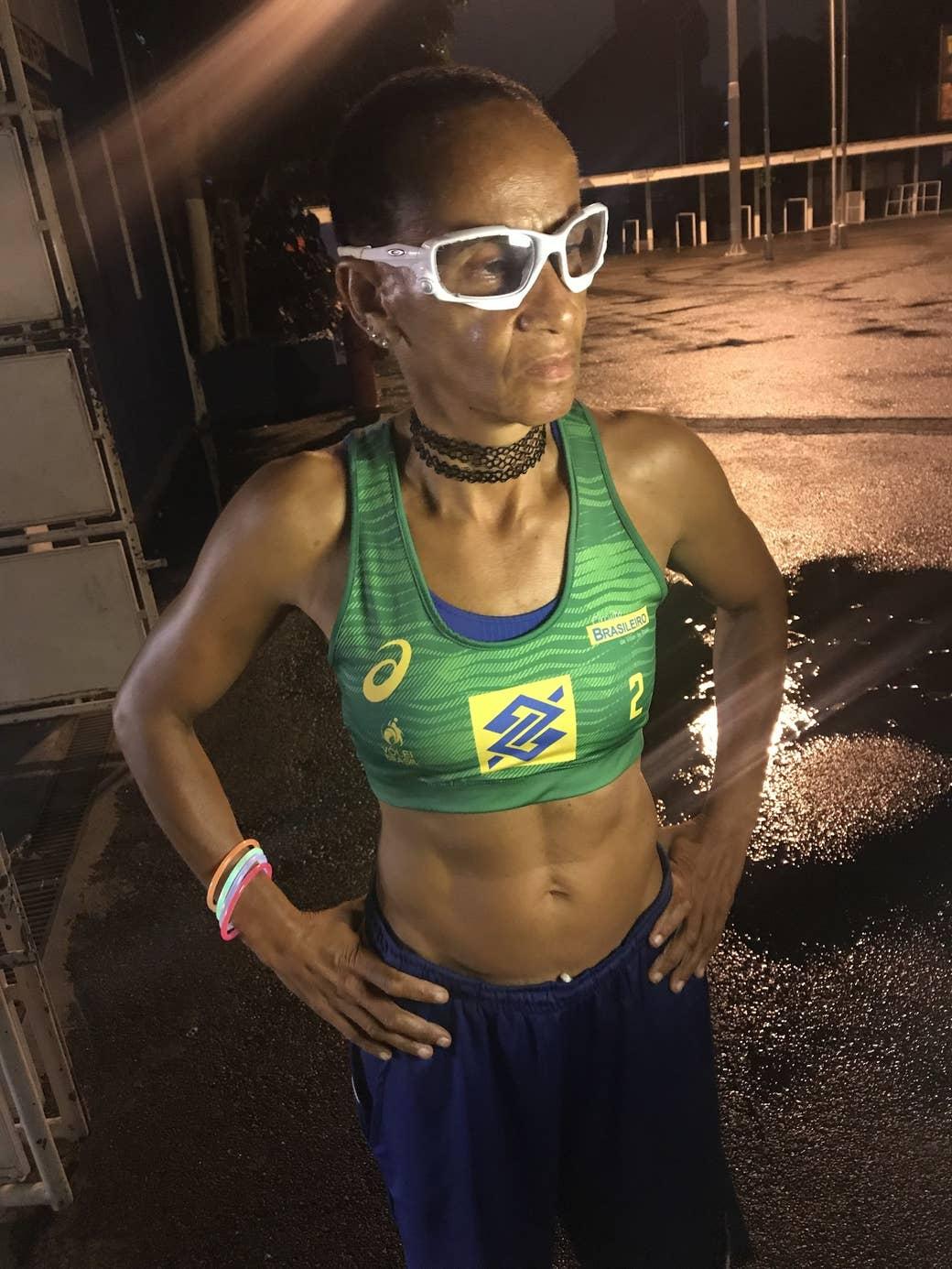 Buceta Da Claudia Leite aos 56 anos, ela continua competindo e ganhando medalhas