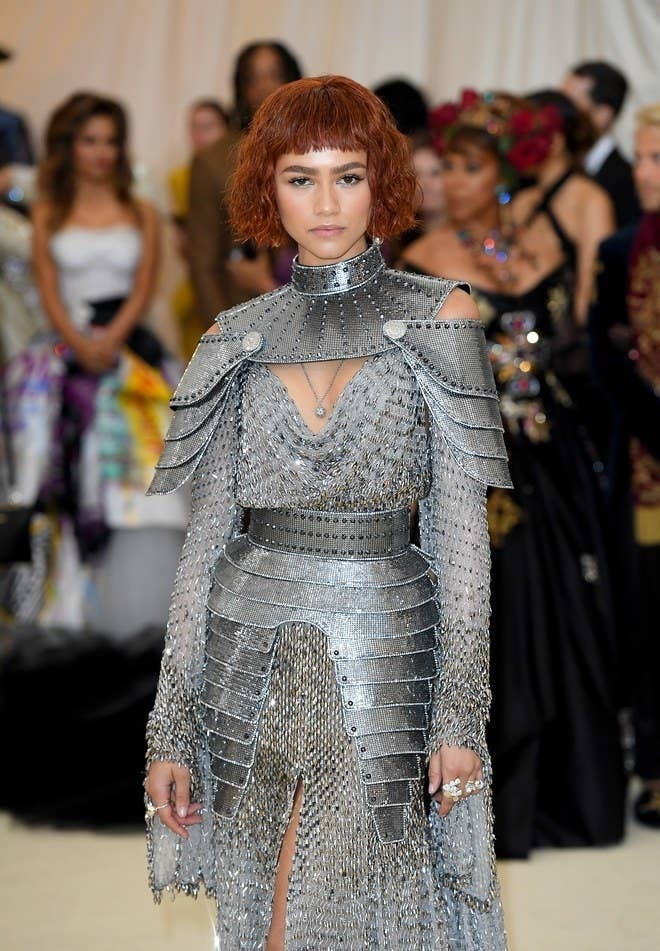 Each of the starlets making this list had teams that thought about the theme and carefully chose garments that sent very clear messages. Such is the case with celebrity super girl Zendaya. In Versace, she gives Joan of Arc vibes and recalls the pain of religion. Gold was a major trend on this year's red carpet, but Zendaya in silver with a chopped brownish-crimson bob was a standout.