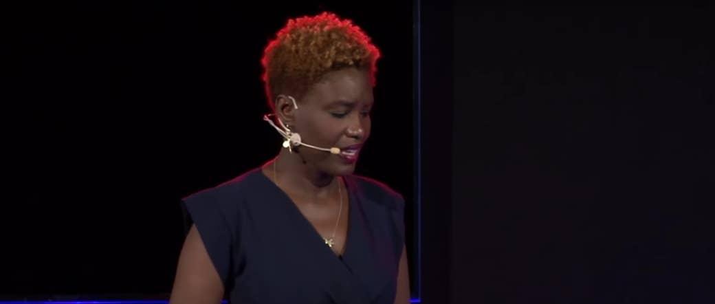 Rokhaya Diallo, lors de la conférence TEDx Talks en octobre 2016.