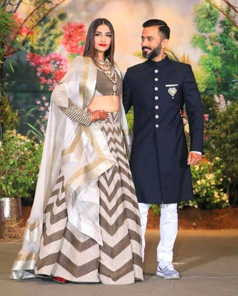 bc5d9dc61b673 Here s What All The Celebs Wore To Sonam Kapoor-Ahuja s Reception