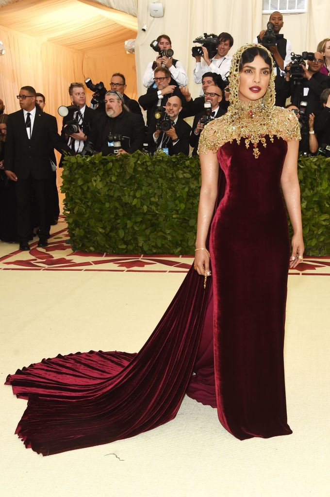 82e14e09f Just 14 Hilarious Jokes About This Year s Met Gala Outfits