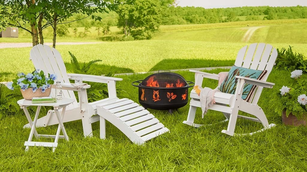 Charmant Plow U0026 Hearth Specializes In Home Stuff With A Picturesque Emphasis On  Outdoor Living. (Why Would You *not* Want To Be Gathered U0027round This Fire  Pit?!)
