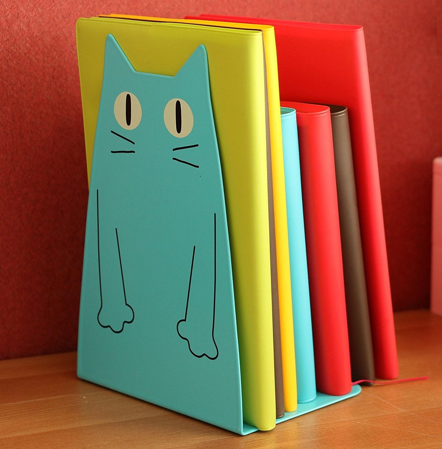 blue cat metal bookend