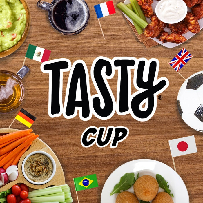 世界に広がるTasty。それぞれの国から、自国をイメージさせる代表レシピ2品を集結し、互いにシェアし合うイベント「TASTY CUP」。今回の動画では、メキシコ代表レシピを紹介しています!ラテンの賑やかさを演出するのは、カラフルなゼリーたち。断面の配色美はカットするまでのお楽しみ♪この機会に、ぜひ作ってみてくださいね!