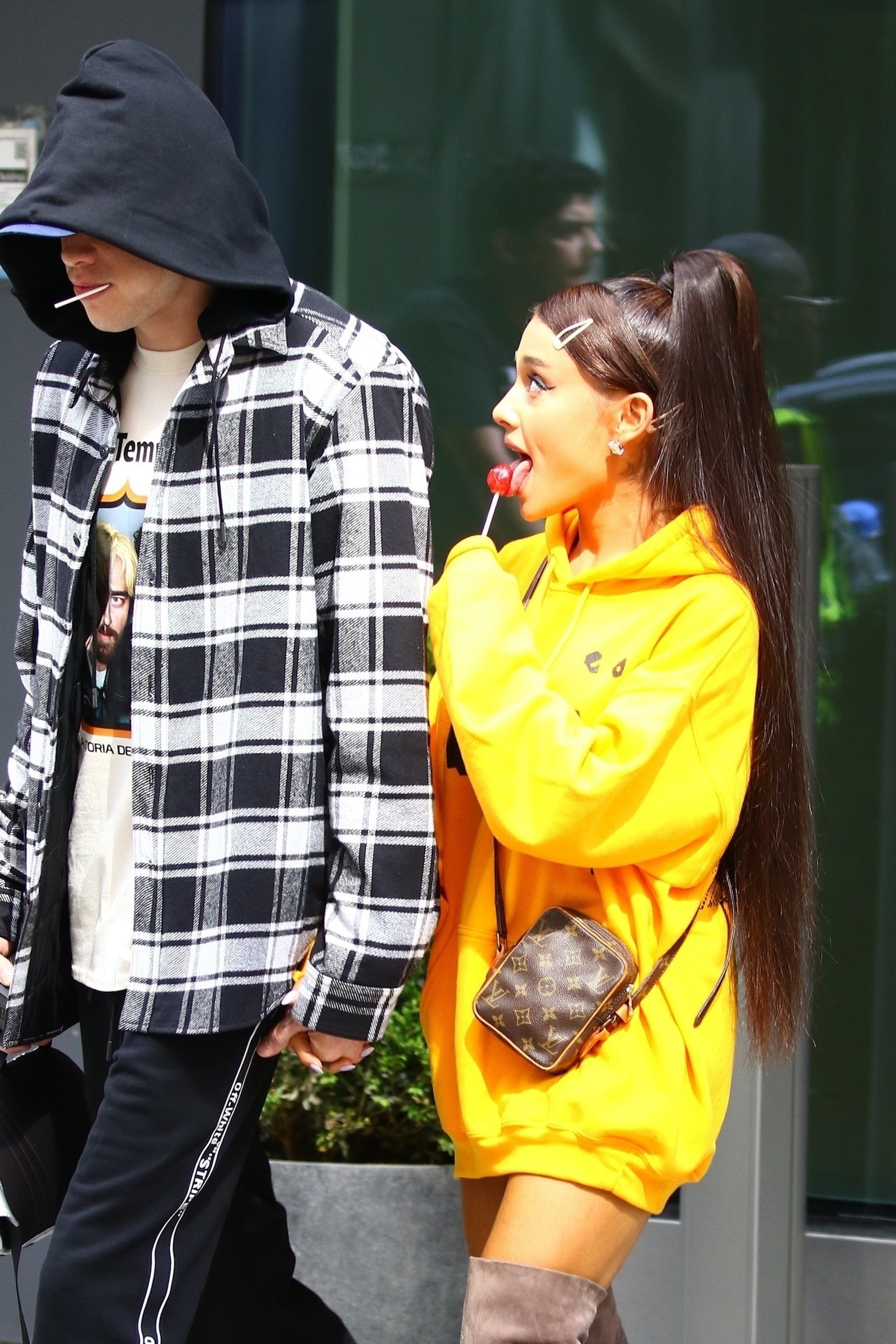 Buzzffed Best Of Ariana Grande: These Pics Of Ariana Grande, A Lollipop, And Pete Davidson