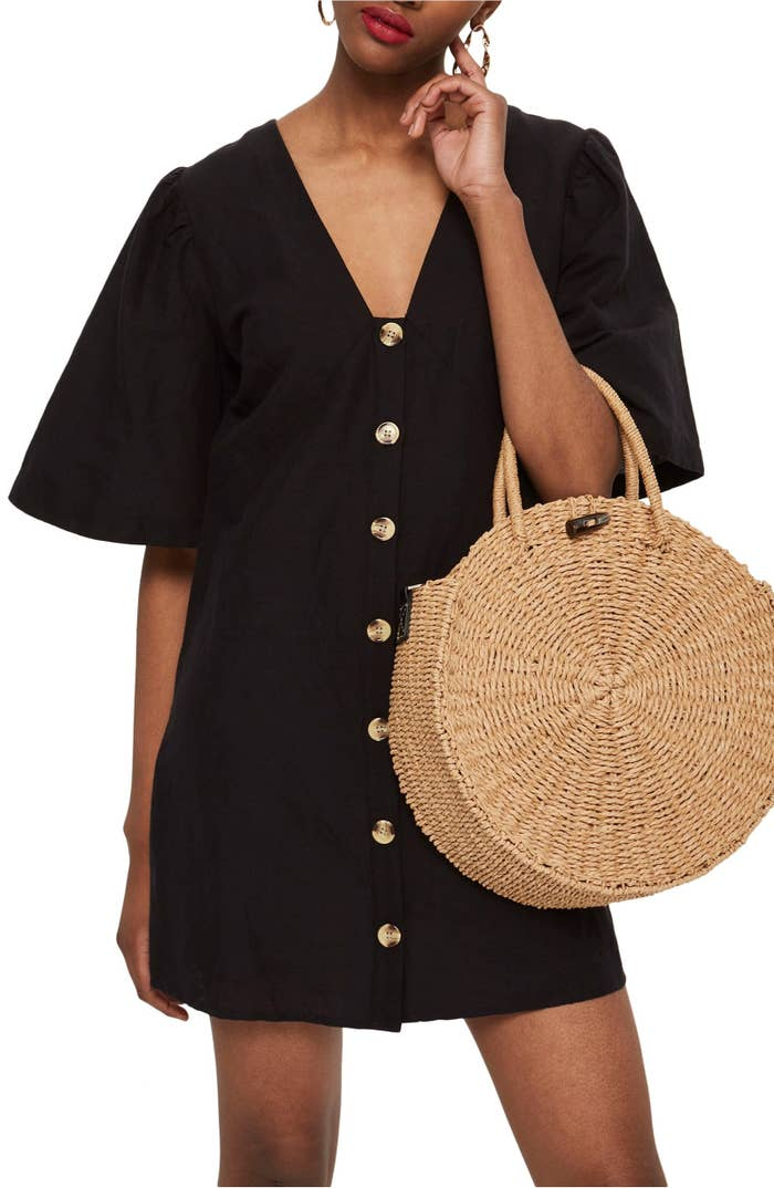"""Promising review: """"Loved this dress. Super comfortable — the linen material makes it light and airy."""" –Kathleen WuGet it from Nordstrom for $60 (available in sizes 2-12). Also available in a spaghetti-strap version for $30 in the same sizes."""