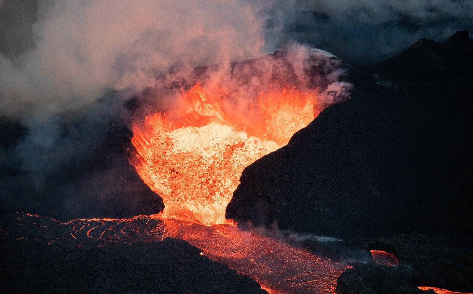 ハワイ島・キラウエア火山から流...