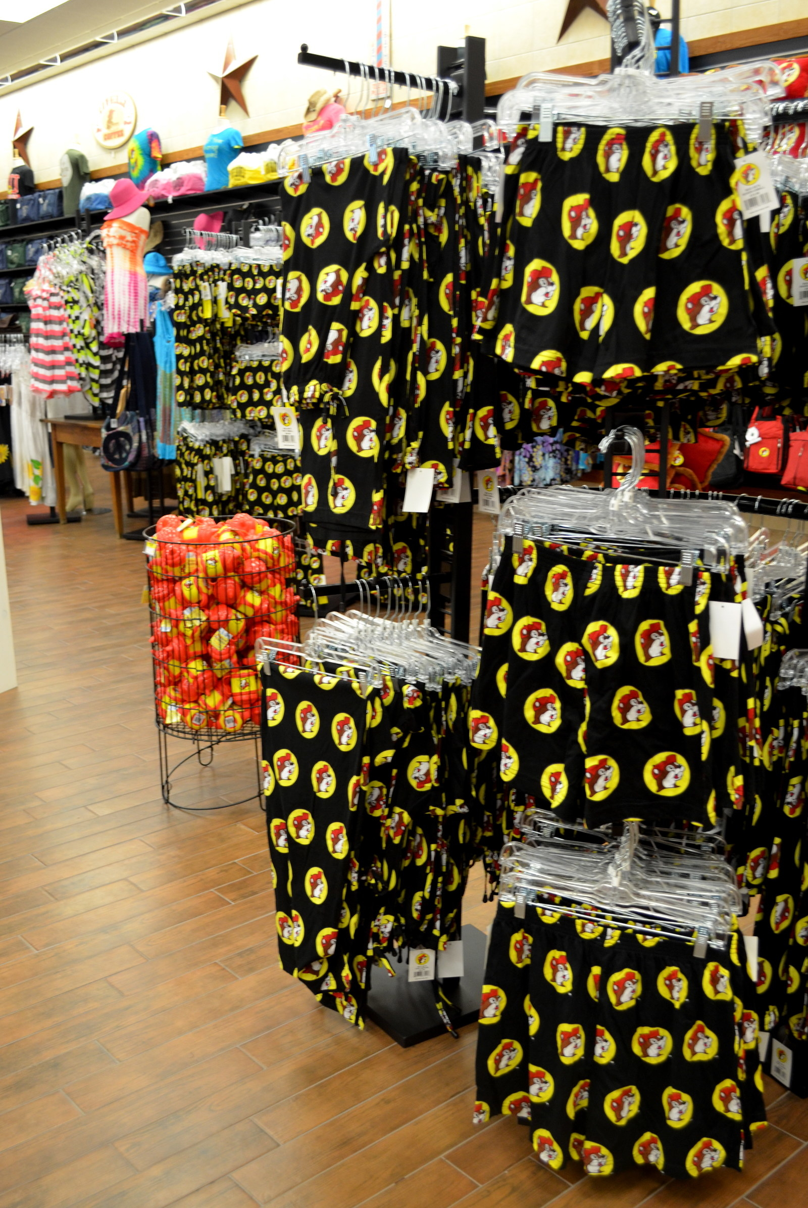 16 reasons why buc ee s puts every other gas station to shame. Black Bedroom Furniture Sets. Home Design Ideas
