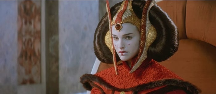 *Despite those rumors that she secretly married known sulk-baby Anakin Skywalker.