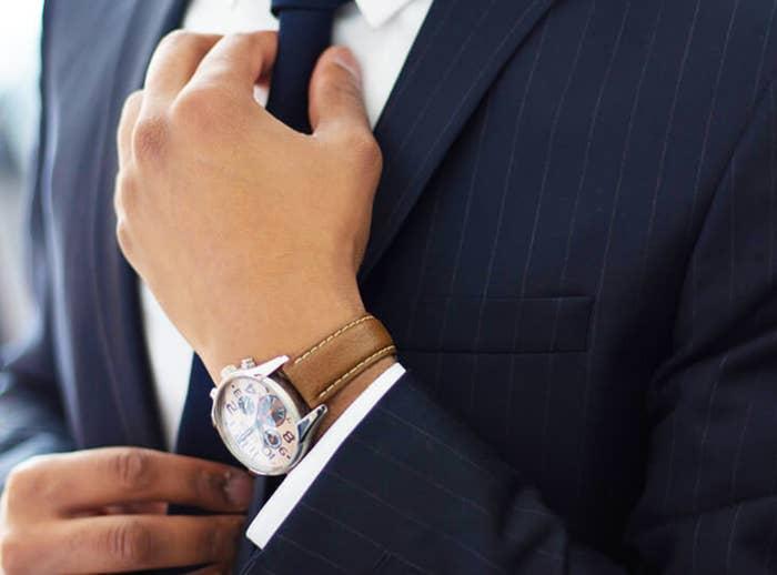 月額料金を支払えば返却期限なしで利用シーンや気分に合った腕時計を楽しむことができる。レンタルする商品に応じて月額料金が変わる。月額3980円のカジュアルプラン、月額6800円のスタンダードプラン、月額9800円のプレミアムプラン、月額19800円のエグゼクティブプランの4種類だ。