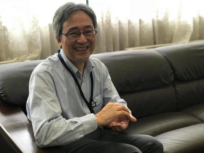 黄色ブドウ球菌について解説してくれた国立感染症研究所薬剤耐性研究センター長の菅井基行さん。おにぎりをにぎる動作をしてもらいました